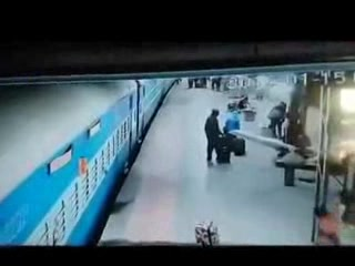 Lady Lost Her Life In Running Train  video download  video,mp3 download Lady Lost Her Life In Running Train video download